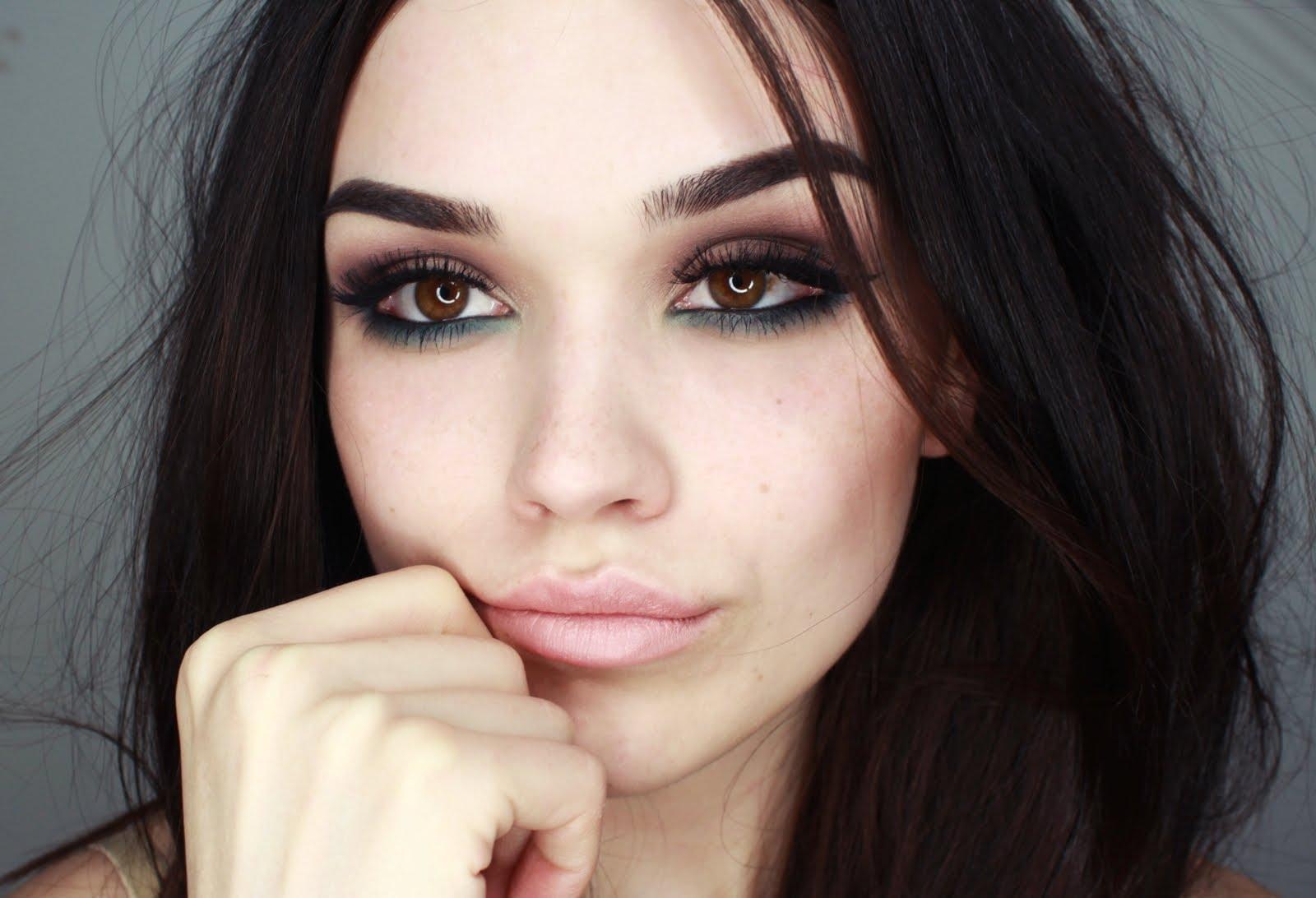 Seductive And Smokey Eye Makeup Tutorial Skin Beauty Blog